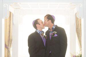 Moment between 2 grooms